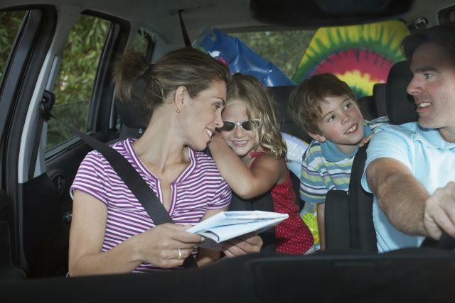 Familie er klar til biltur