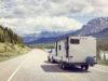 Bil og campingvogn